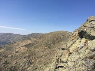 El Cerro de la Escusa desde la pared SO del Canto del Berrueco.