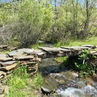 Cruzando el Arroyo de los Molinos.